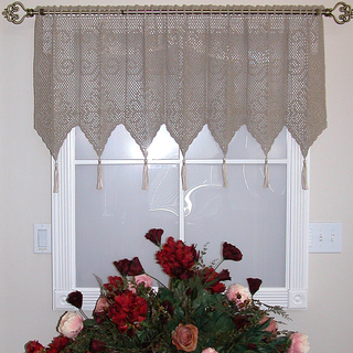 R_medallion_valance_small2