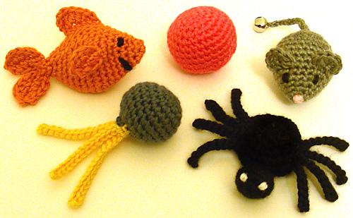 Crochet_cat_toys_medium