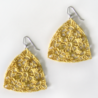Floraltriangleearrings2_small2