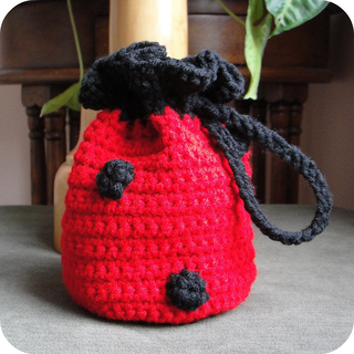 Ladybug_purse_resized_for_etsy_small2