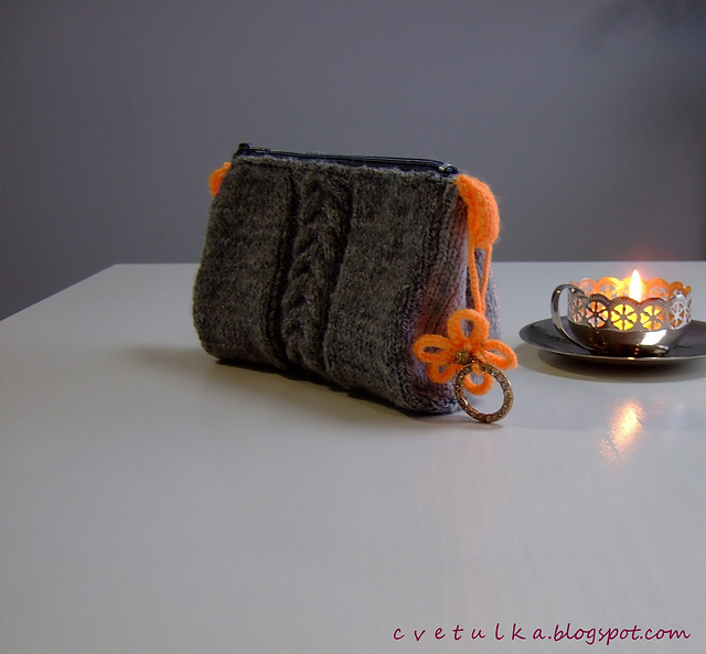 Cabled Wallet by c v e t u l k a knits