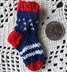 Patriotic_mini_sock_pin_with_quarter_small