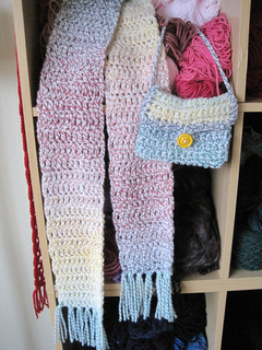 Childs_scarf_pocketbook_new_4_small2