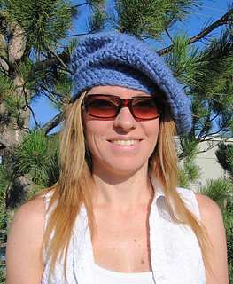Around_town_beret_blue_2_small2