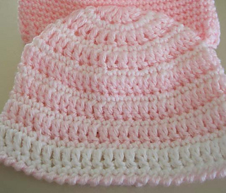 Two_baby_hats_4_small2