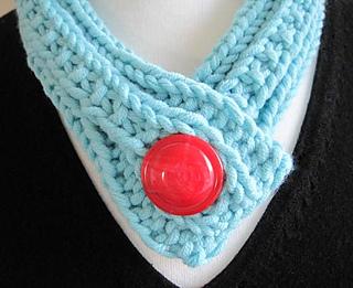 Bold_button_neckpiece_1_small2