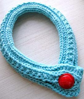 Bold_button_neckpiece_5_a_small2