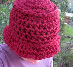 Chunky_bucket_hat_burgundy_on_k_2_small