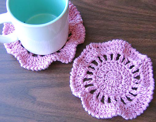 Ruffly_coasters_pink_2_small2