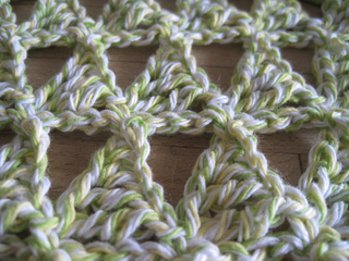 Table_topper_closeup_small2