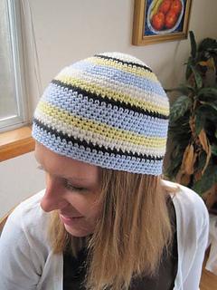 Crochet_hat_swedish_color_scheme_on_c_b_res_small2