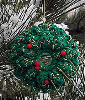 Crochet_ornaments_wreath_alone_small2