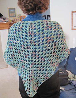 Easy_shawl_petalspun_small2