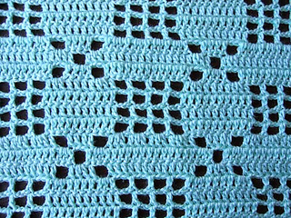 Little_baby_filet_crochet_set_closeup_small2