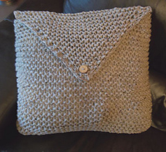 Garter_stitch_cushion_1_small