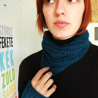 One_row_lace_scarf_blue_doubled_small2