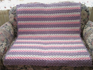 Lavender-shell-afghan_small2