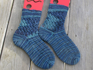 Woven_cables_socks_b_feb_2010_small2