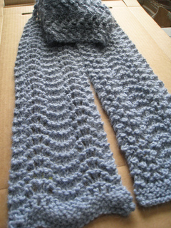 Feather_and_fan_scarf_small2