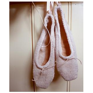 Ballet_slipper_1_small2