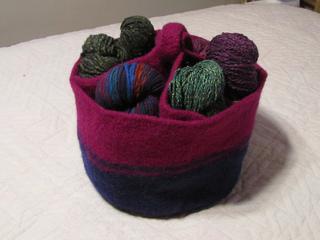 2012-02-28_-_yarn_caddy__6__small2