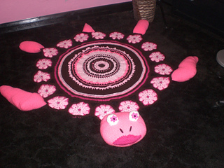 Pink_sea_turtle_rug_completed_small2