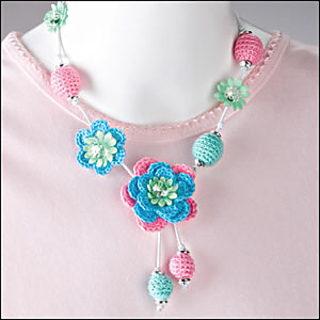 Beads_and_bloom_nackless_300_small2