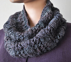 Sausa-cablelacecowl_small