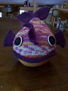 Pink_minnow_hat_front_small2