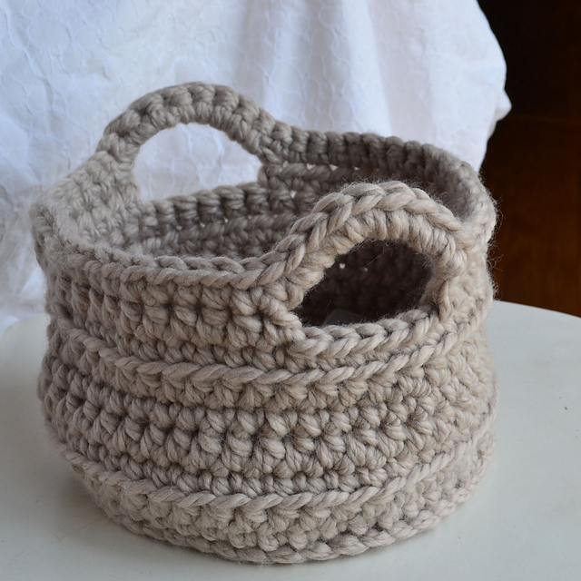 Free Pattern Crochet Basket : Crochet in Color: Chunky Crocheted Basket Pattern