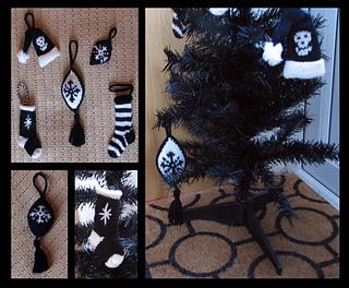 Gothicyuledecorationsall2_small2