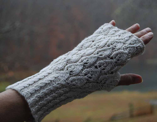 Voyager-fingerless-mitt-1a_small2