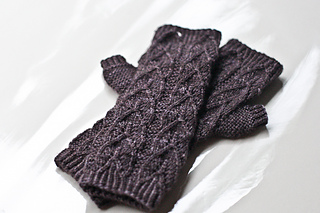 Nettle_mitts_small2