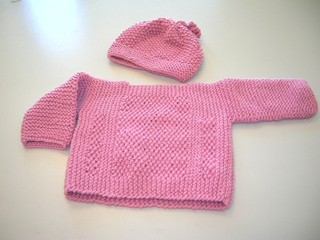 Dark_pink_pullover_and_hat_small2