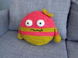 Monster_pillow_small2