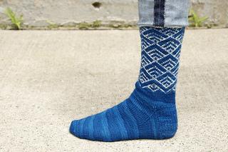 Shibui-socks-waterfront-1_small2