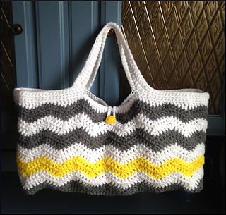 Free Crochet Pattern For Small Tote Bag : Ravelry: Chevron Tote pattern by Orange September