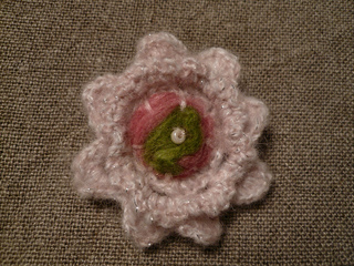 Finished_brooch_small2
