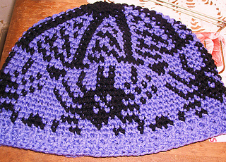 Withbuttons_spider_hat_small2