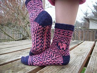 Shawl_and_socks_1341_small2