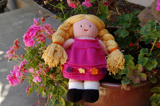 Doll_with_braids_small2