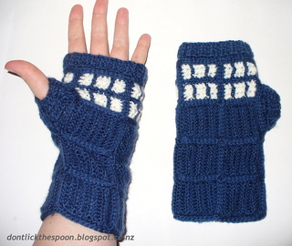 Tardisgloves2_small2