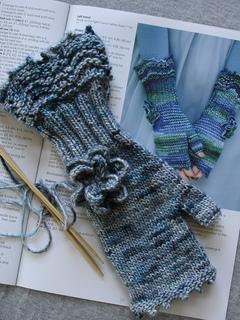 Knitting_3177_small2