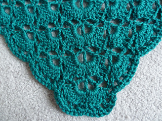Caron_simply_soft_pagoda_mother_of_the_bride_shawl_oct_2011__2__small2