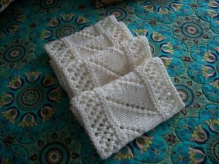 Lace_infinity_scarf_small2