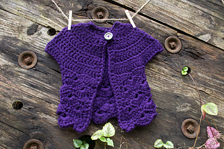 14-in-the-thick-of-it_crochet-baby-sweater_100-baby-sweater-patterns_02_small2