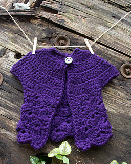 14-in-the-thick-of-it_crochet-baby-sweater_100-baby-sweater-patterns_01_small2