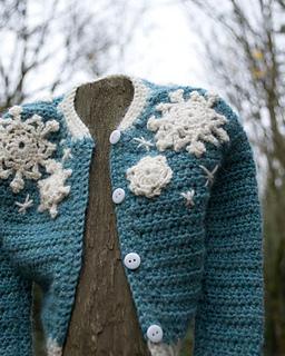 16-snowflake-baby-sweater-crochet03_small2