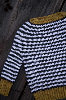 Ochre-stripe-crochet-baby_03_small2