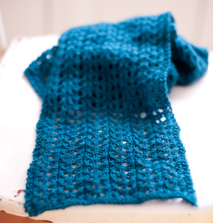 Blue_scarf_detail_small2